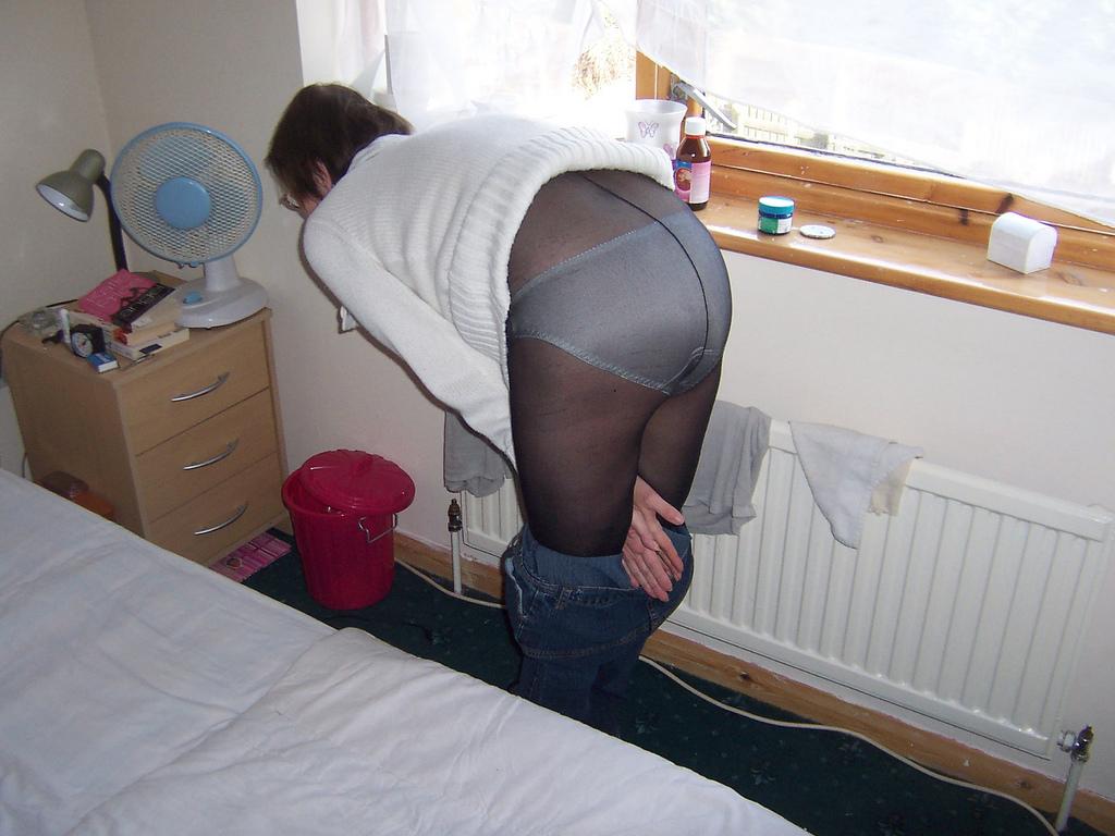 Pantyhose up skirts