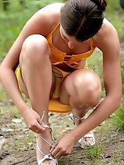 8 pictures - upskirt voyeur masterbating picture gallery
